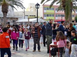 "barn children apokries skattjakt ierapetra kreta crete ""treasure hunt"""