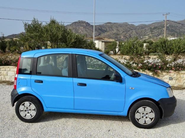 bil fiat panda blå